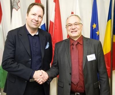 ENISA MB Chair (2013-2016) Jörgen Samuelsson and ED Udo Helmbrecht
