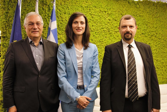 Commissioner Mariya Gabriel meets ENISA Executive Director and staff for a discussion on Cyber Security in Europe