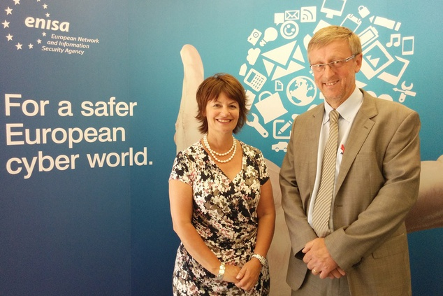 Visit by the EU's Chief Scientific Advisor, Prof. Anne Glover, to ENISA